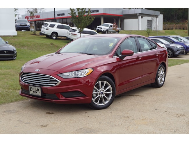 Used 2017 Ford Fusion SE Front-Wheel Drive Sedan SE Sedan 4 Cylinder in Oxford, MS