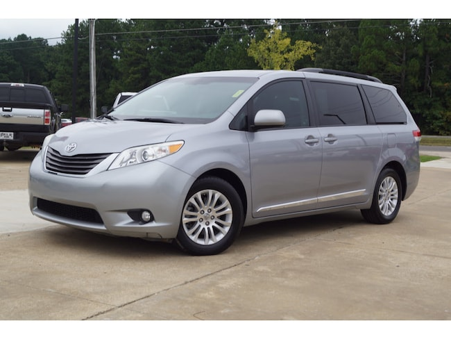 Used 2012 Toyota Sienna XLE V6 7 Passenger Auto Access Seat XLE 7-Passenger Auto Access Seat Mini-Van 6 Cylinder in Oxford, MS
