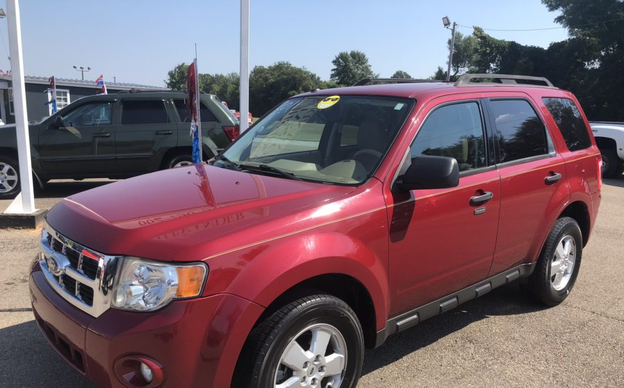 2011 Ford Escape XLT(Red)
