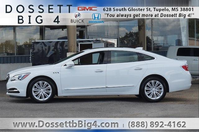 Pre-Owned 2018 Buick LaCrosse FWD Essence